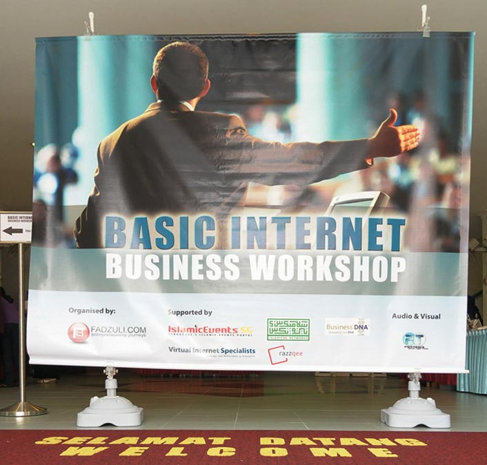 Clip Banner Stand Backdrop - Basic Internet Business Workshop