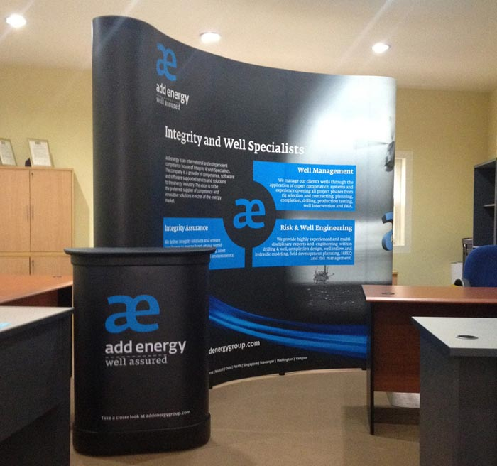 Pop Up Stand 3x3 (3 Curved) with Hardcase Countertop - Addenergy